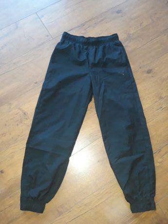 Puma spodnie r.152