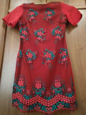 Плаття червоне вишите