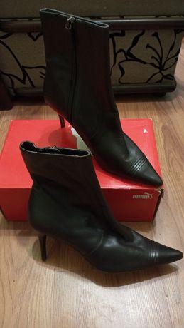 Модные женские ботинки.