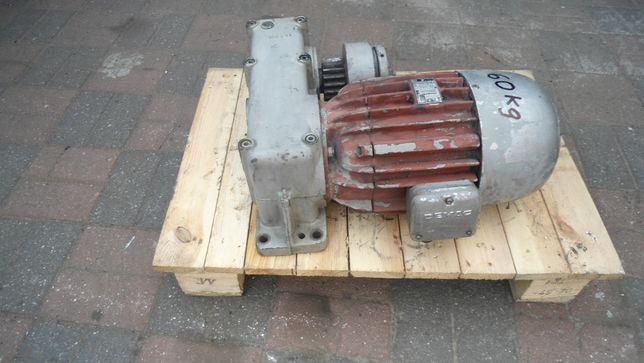 Motoreduktor 3-faz 3-bieg 1,3kW 840/ 0,9kW 900/ 0,75kW 920obr DEMAG