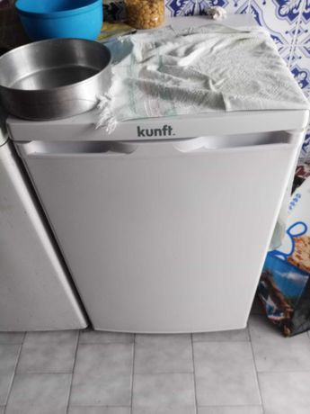 Frigorífico Kunft semi-novo