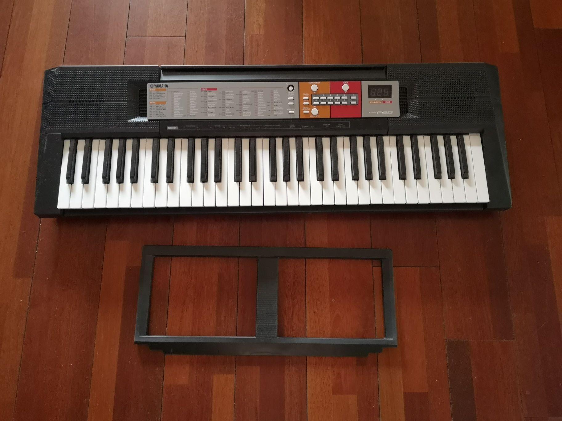 Keyboard Yamaha PSR F50