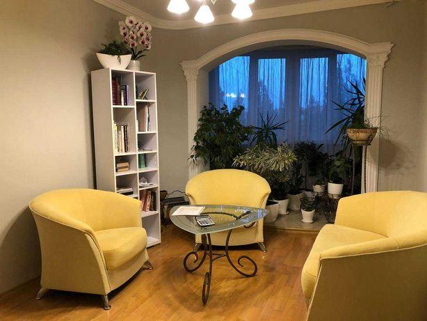 Простора квартира з дизайнерським переплануванням