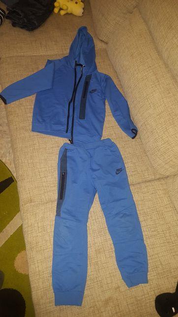 Продам спортивный костюм рост 116