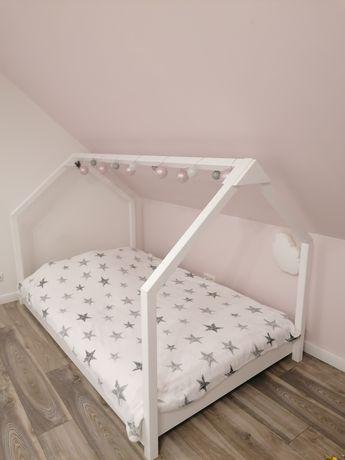 Łóżko dziecięce domek 120x200 z materacem