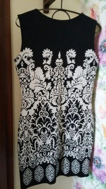 Sukienka dzianinowa r. 40