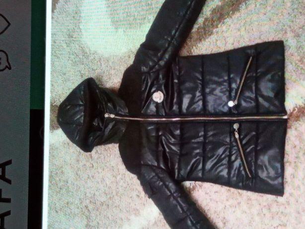 Продам женскую курточку деми