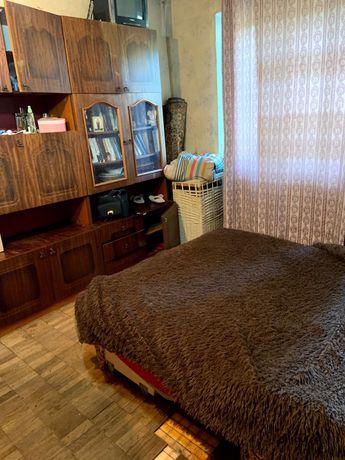 Сдается комната в 2х комнатной квартире.