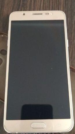Samsung J710 В идеальном состоянии!