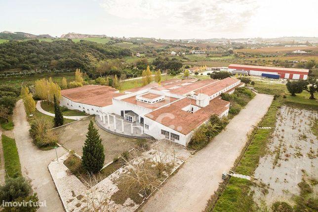 Prédio urbano industrial com 6772 m2 | Borba