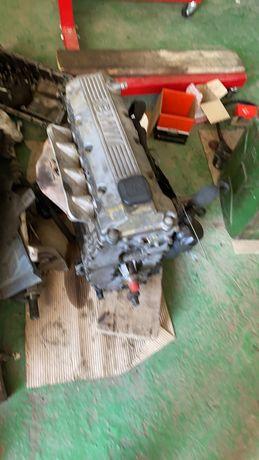 Продам двигатель BMW E46 м43 1.9 по запчастям