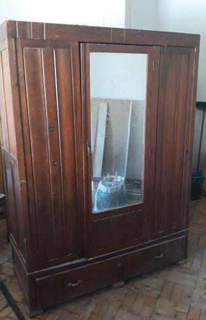 Roupeiro antigo c/espelho