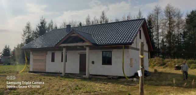 Sprzedam dom w Białuniu. Stan surowy zamknięty.Projekt WRZOS 2A.