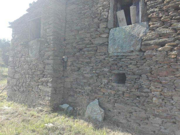 Casa e quinta em Carvalhal Redondo - S. Miguel do Mato - Arouca