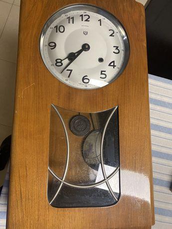 Relógio com chave