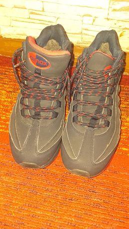 Зимние кроссовки 40 размер
