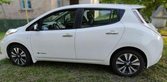 Nissan Leaf SL 2014