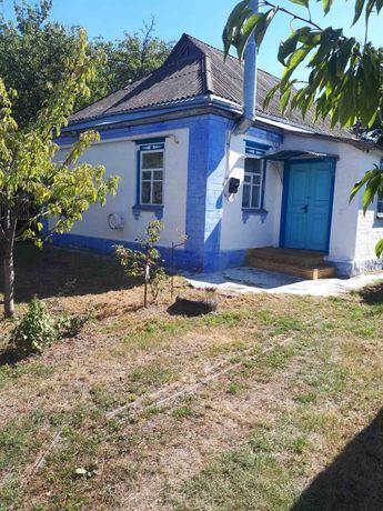Продам будинок в селі Демки.