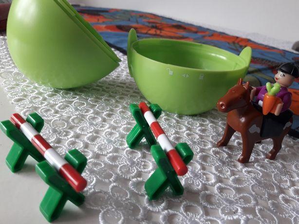 Jeździec z przeszkodami jajko Play tive