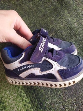 Кросівочки 24 розмір дуже   зручні