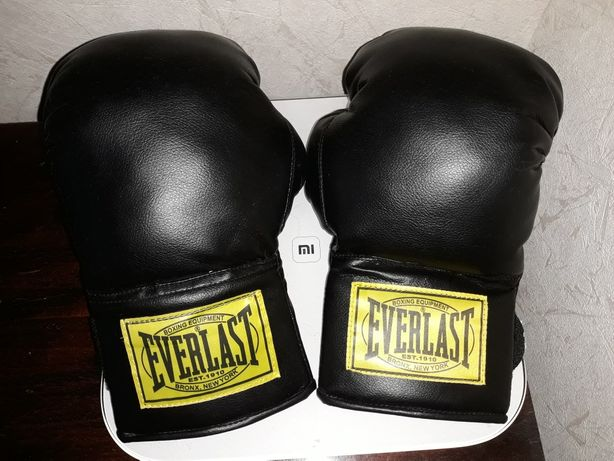 Боксерские перчатки Everlast 8 oz Pakistan есть ньюансы