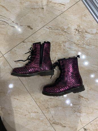 Срочно продам!!!Модные ботинки на девочку