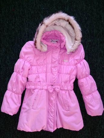 Продам демисезонную теплую куртку на девочку 5, 6,7 лет