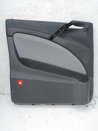 Mercedes Vito W639 boczek drzwi lewy przód