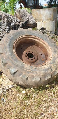 Roda de rectro-escavadora