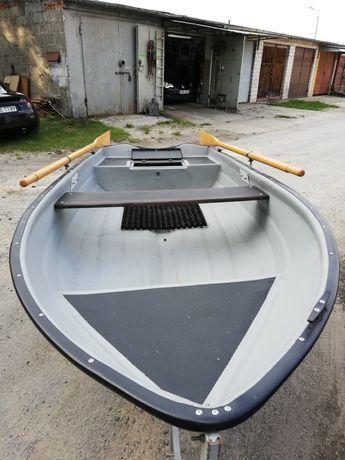 Łódka 3,10m x 1.3m. schowek, silnik, praktycznie nowa, wózek