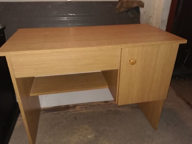 Solidne biurko dla ucznia