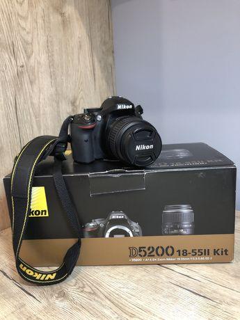 Продам Nikon D5200 18-55ll Kit