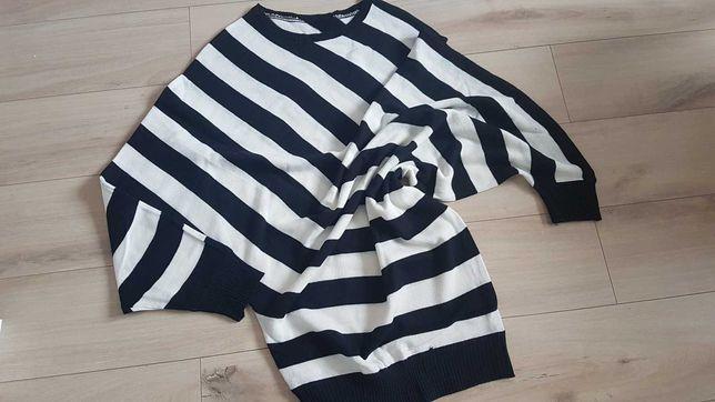 Asymetryczna bluzka asymetryczny sweter w paski