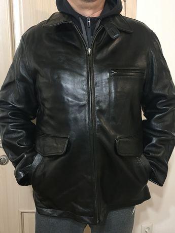 Продам кожаную демисезонную куртку .