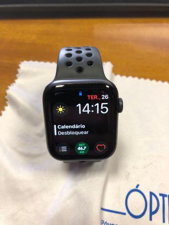 Apple Watch Series 6 Nike 44mm