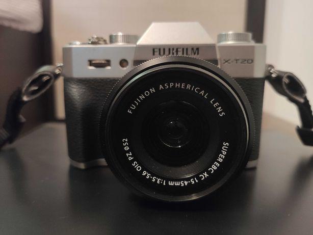 Máquina fotográfica Fujifilm x-t20, objetiva Fujinon XC 15-45