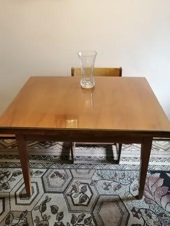 Oddam stół, fotel I stolik kawowy