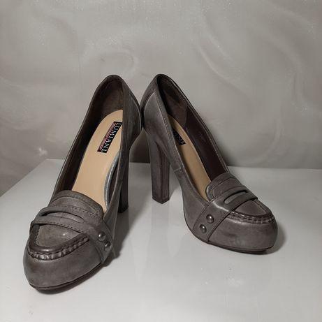 Туфли на устойчивом каблуке. 39 размер. Кожа