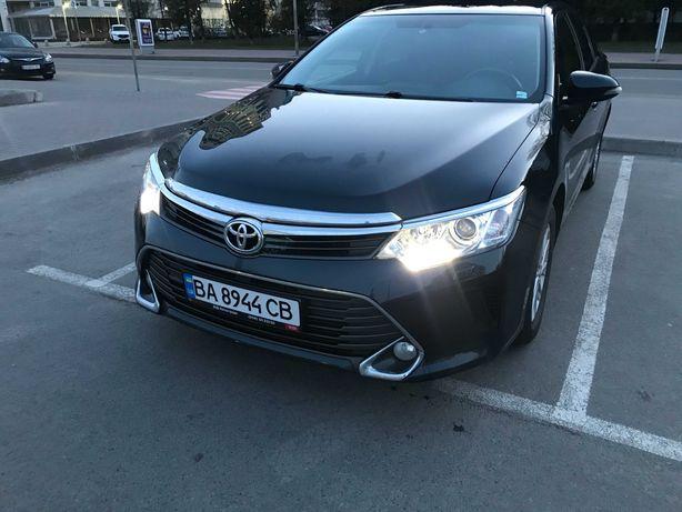 Toyota Camry 2014 офіційна