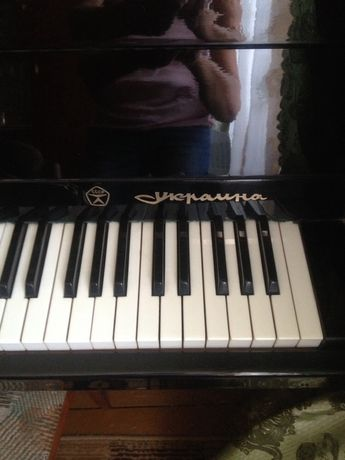 "Фортепіано ""Україна"""