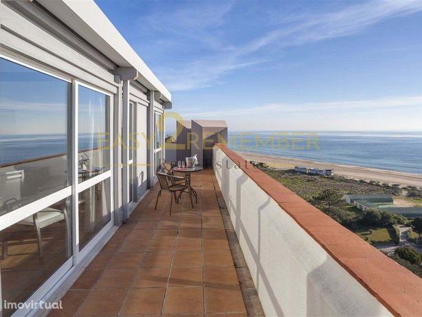 Penthouse T1   Localização privilegiada com vista mar   A...