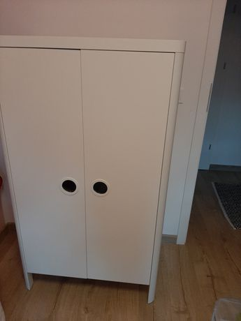 Szafa i komoda BUSUNGE IKEA