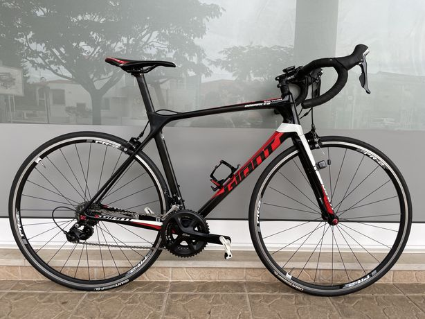 Bicicleta de estrada em carbono