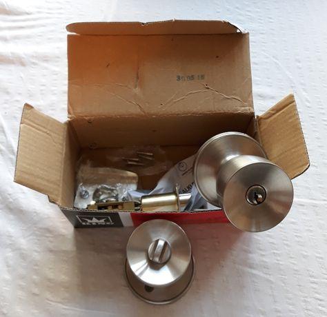 Gałka drzwiowa z zamkiem na klucz, patyna