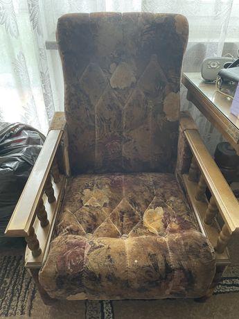 Dwa fotele + dwie pufy PRL do oddania za darmo