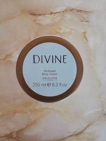 Perfumowany balsam do ciała Divine 250 ml ORIFLAME