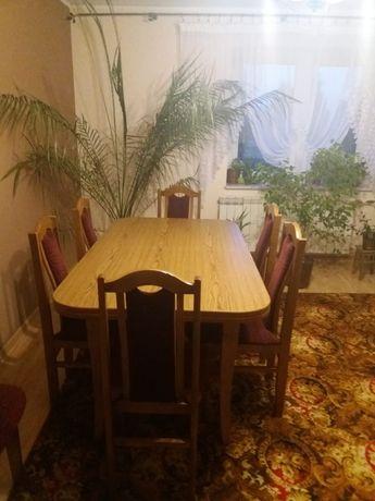 Rozkładany stół 8 krzeseł wersalka komplet