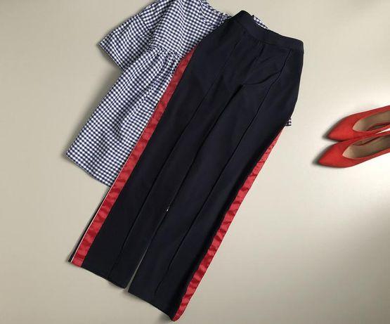 Широкие брюки с лампасами от cubus