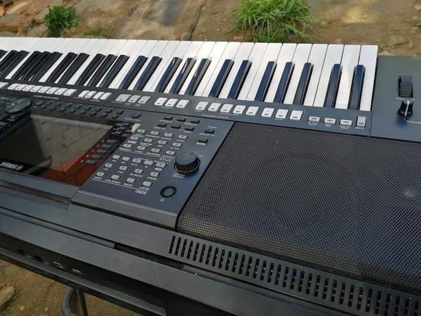 Vendo ou troco teclado yamanha psr 775 negociável ler a descrição