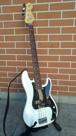 Gitara basowa - Squier Affinity Series Precision Bass (2012)